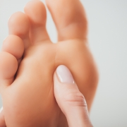 what is a plantar plate tear